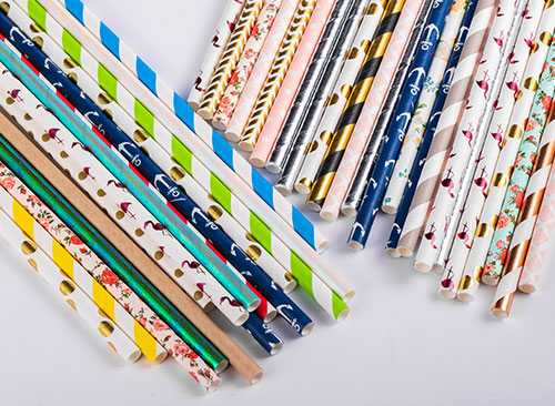 various patterns of paper straws